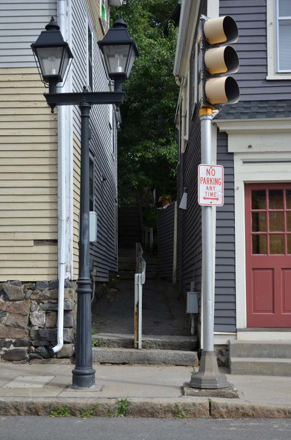 Alley entrance from Washington Street